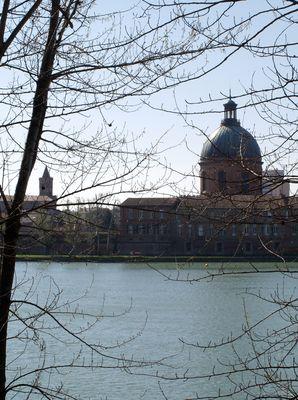Toulouse 10 – Le Dôme de la Grave vu de la rive droite
