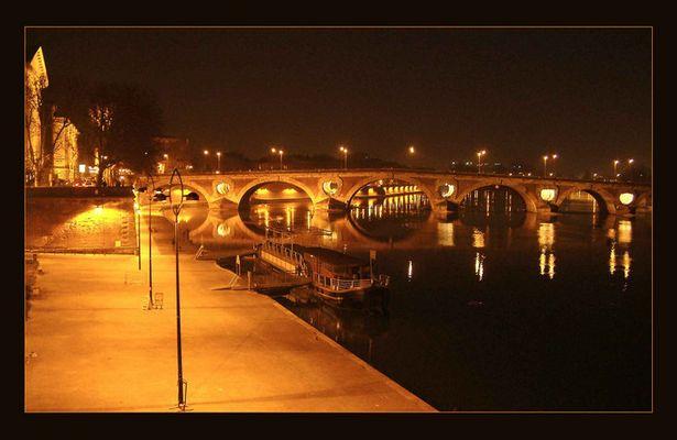 Toulouse bei Nacht.