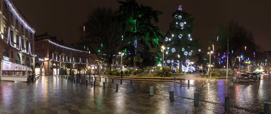 TOULOUSE (France), PLACE WILSON NOËL 2016 Panorama