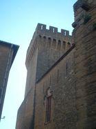 tour chateau de l emperi
