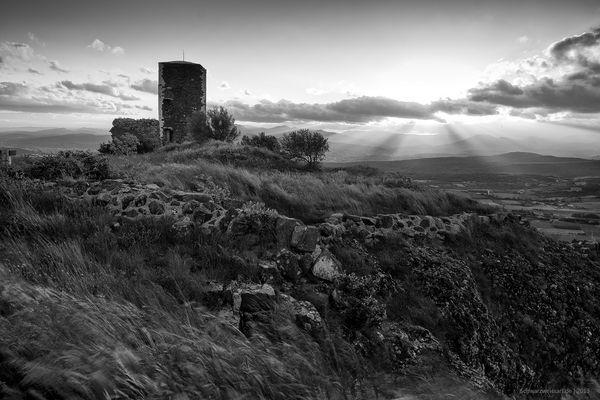 tour de mirabel (Ardèche)