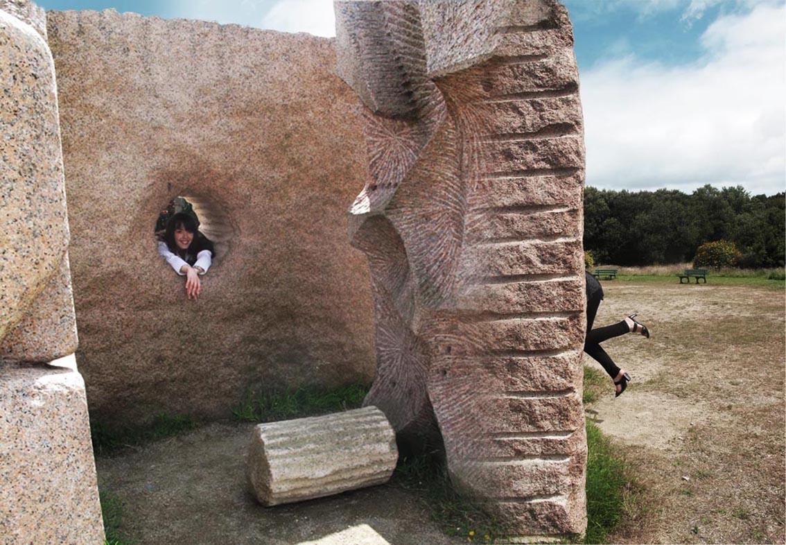 Tour de passe passe dans une sculpture géante!!