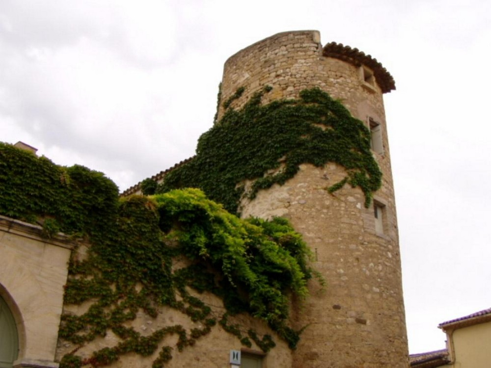 tour du chateau de margon