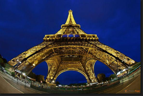 << Tour Eiffel >>