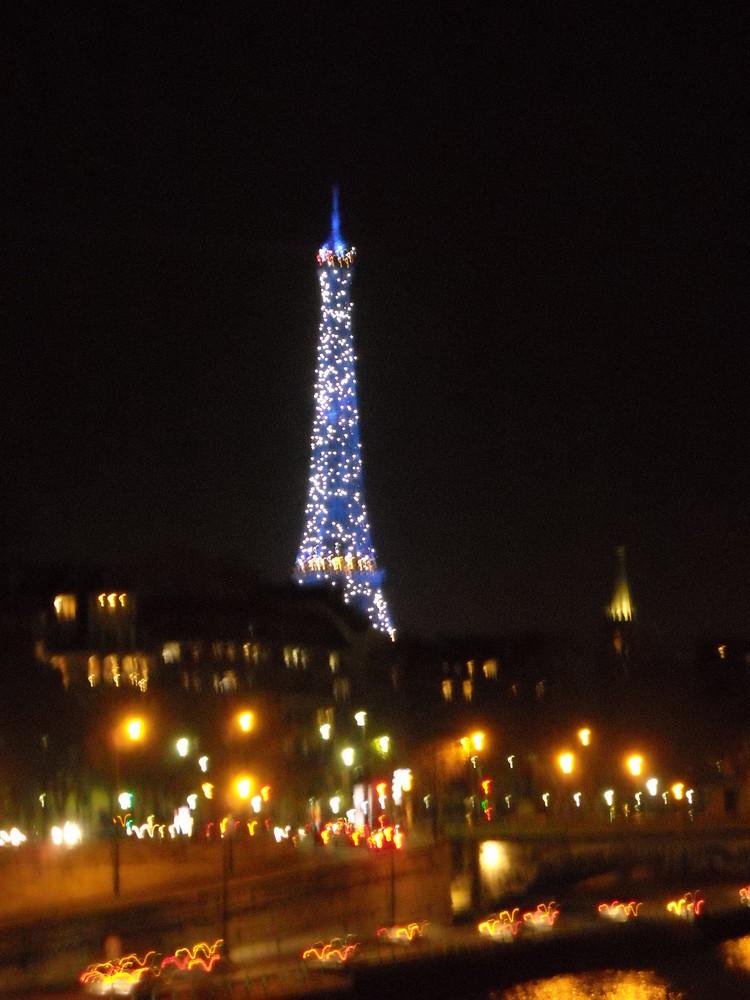 tour Eiffel au nouvel an 2009