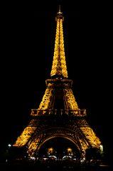 Tour Eiffel bei Nacht