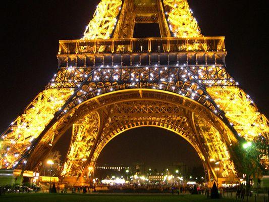 Tour Eiffel de 1000 feux