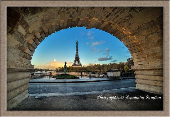Tour Eiffel depuis le Pont de Bir-Hakeim