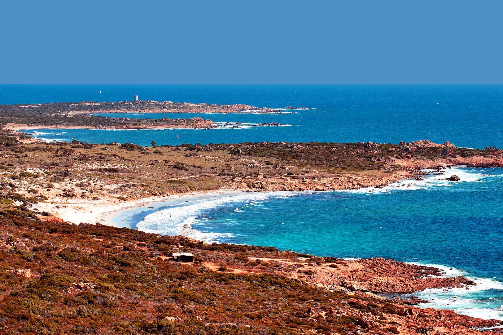 Tour sentinelle de la baie de Figari (Corse)
