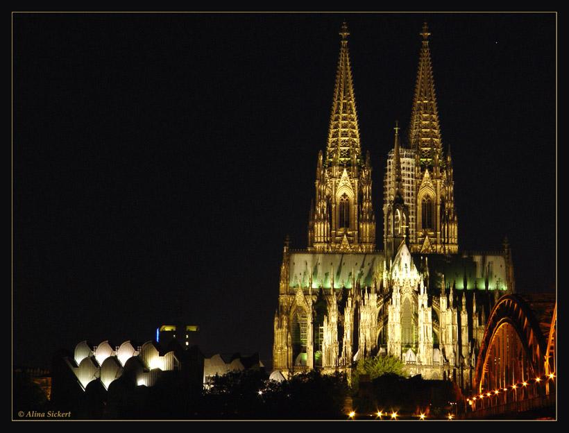 Touri-Ansicht Dom und Brücke II