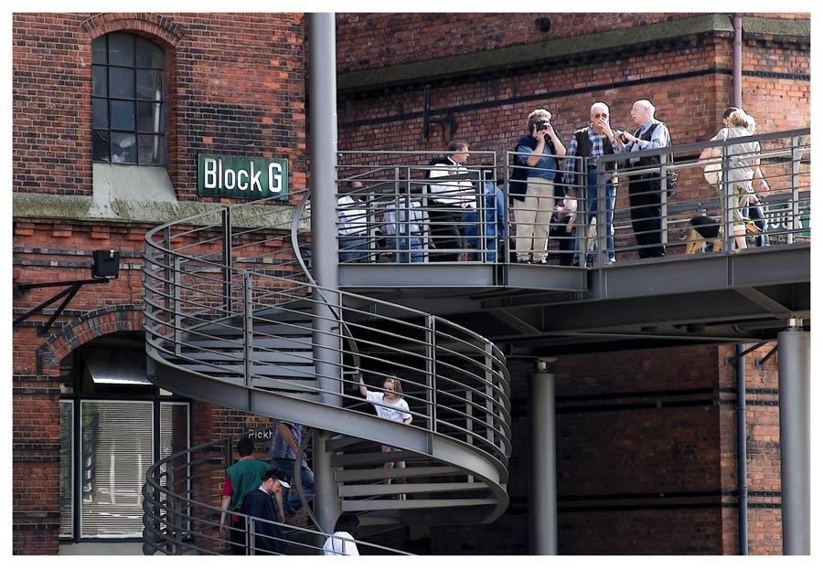 Touristen in der Speicherstadt ..