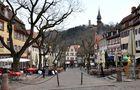 Touristenstädtchen Weinheim...13 Uhr...keine Menschenseele in den Restaurants....