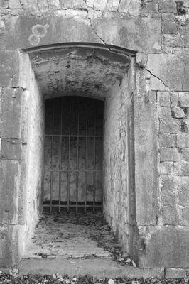 Toute prison a sa fenêtre. (citadelle de namur )