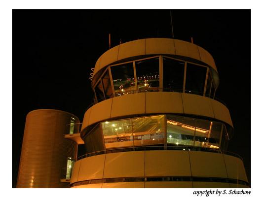 Tower bei Nacht