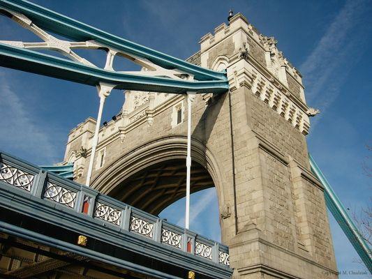 ... Tower Bridge ...