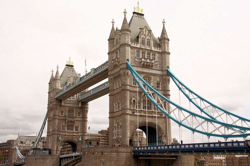 """ Tower Bridge "" à Londres ( 1 )"