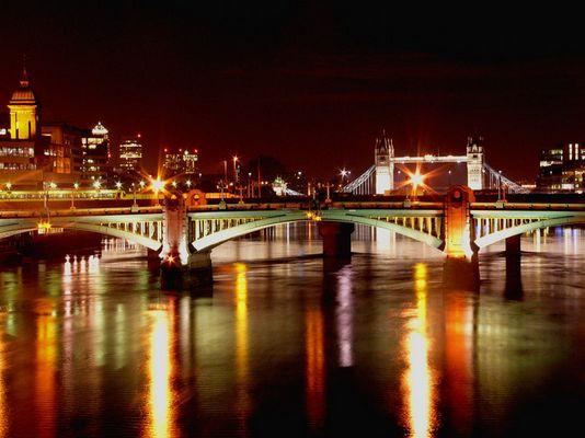 tower bridge by nite....london