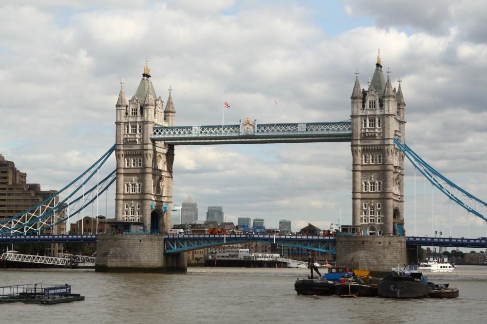 Tower Bridge im Sonnenschein