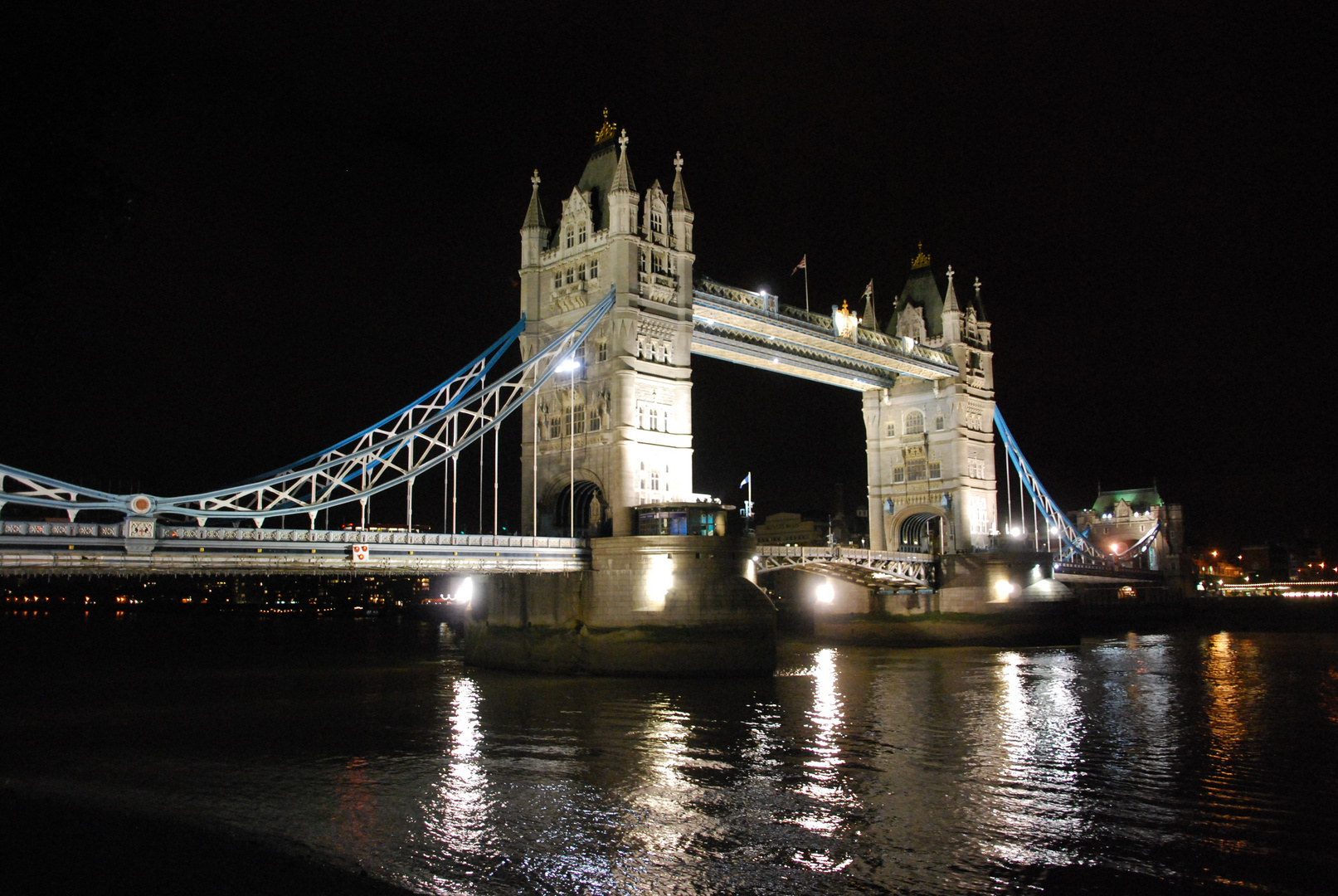 Tower Bridge, Londoin