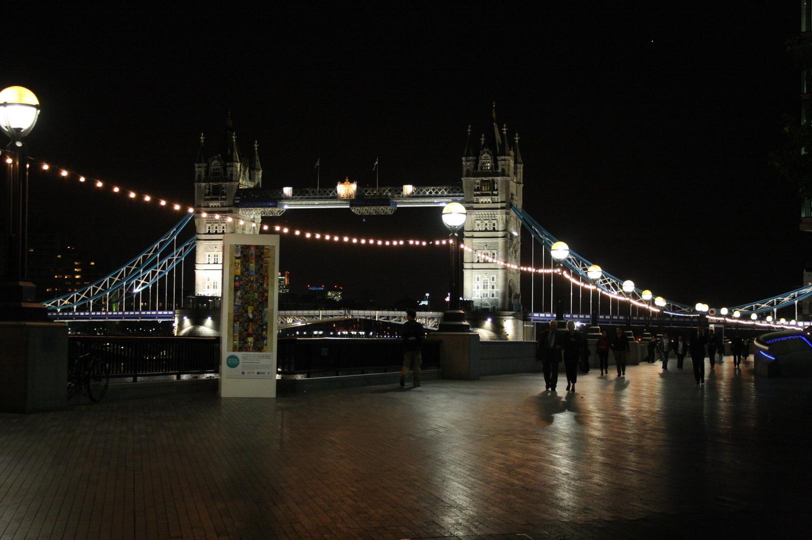 Tower Bridge - Riverside