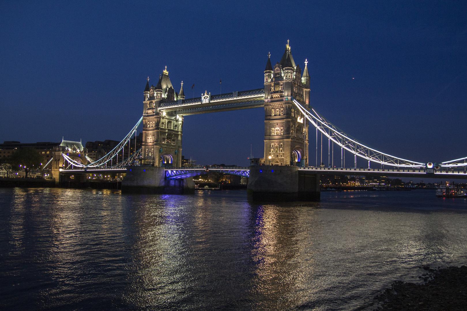 Towerbridge bei Nacht