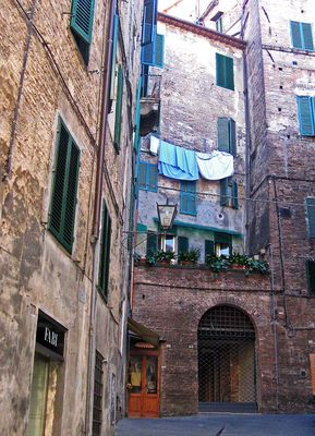tra le vie di Siena