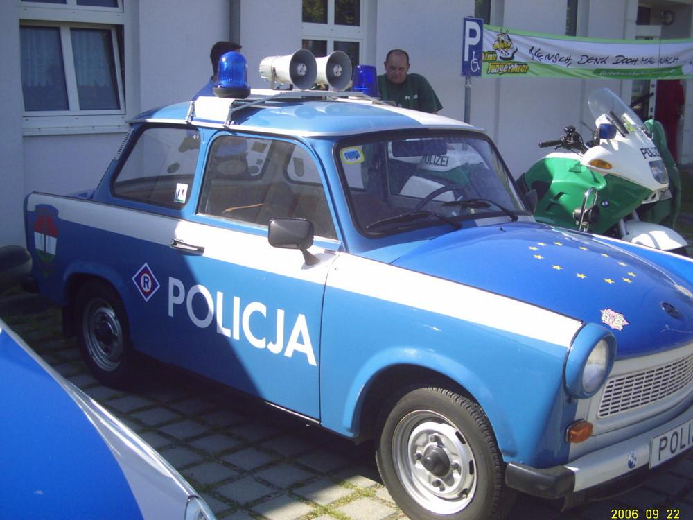 trabant was f r ein polizeiauto foto bild autos zweir der feuerwehr polizeifahrzeuge. Black Bedroom Furniture Sets. Home Design Ideas