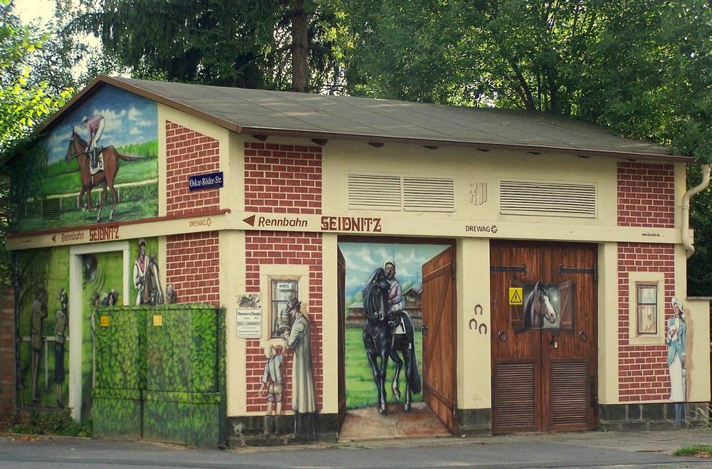 Trafohaus an der Pferderennbahn