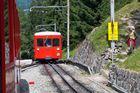 Train à crémaillères, le rouge et le jaune