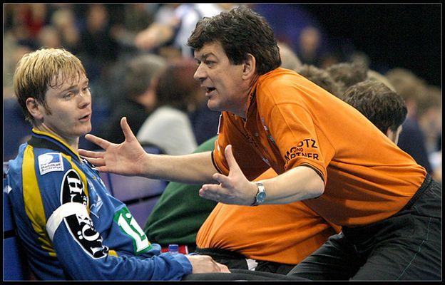 Trainer und ausgewechselter Torwart