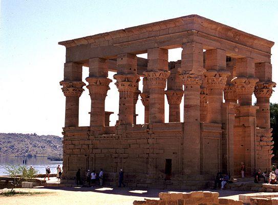 Trajan-Kiosk auf der insel Philae