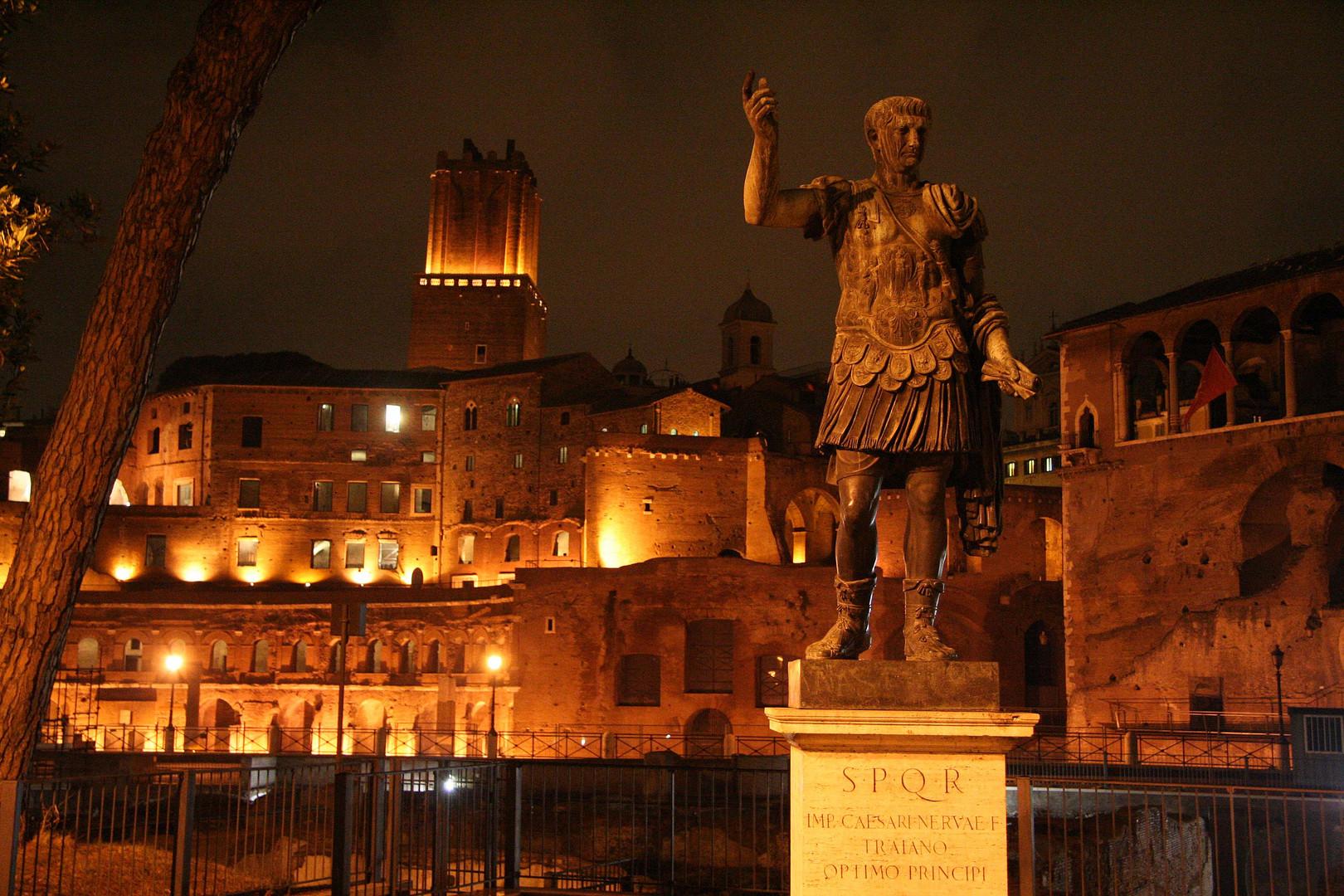 Trajan-Statue im antiken Rom