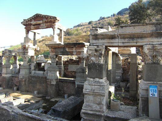 Trajansbrunnen 114 n.Chr.