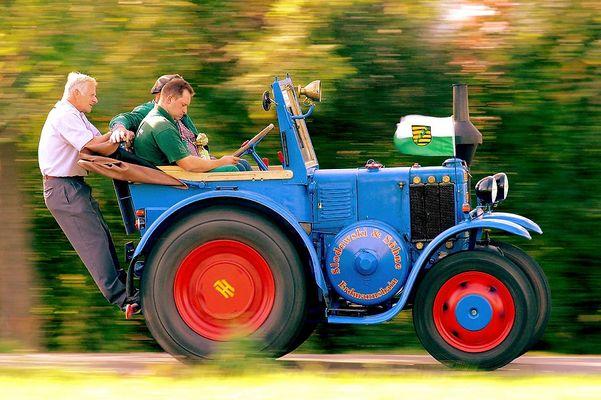 Traktor 1F