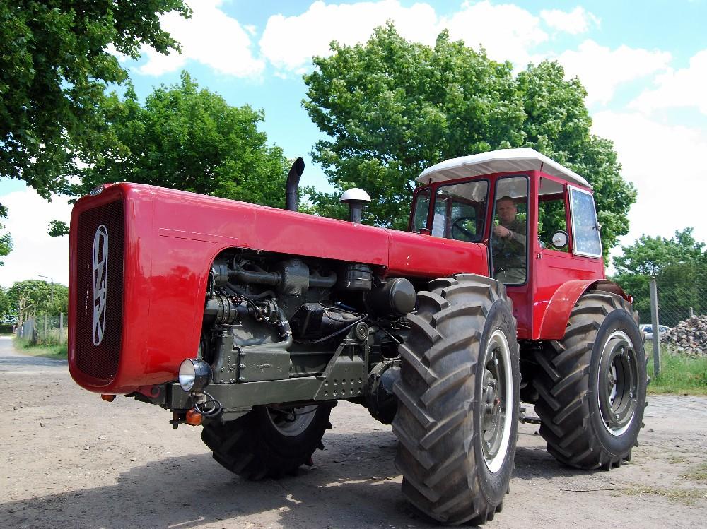"""Traktor """" D4K """""""