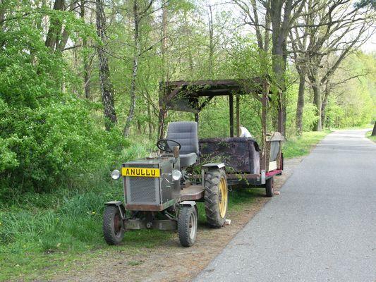 Traktor mit Kremseranhänger