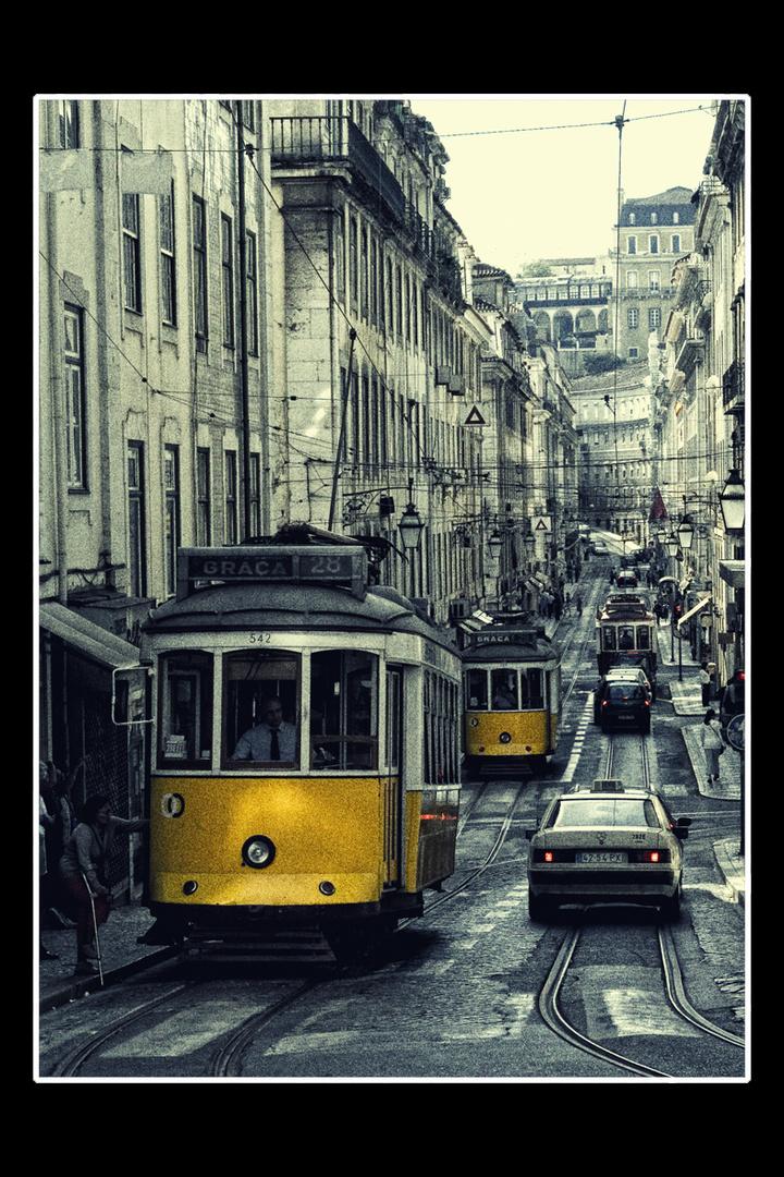 Tram in Lissabon 1. Platz Docma Pseudo HDR Wettbewerb