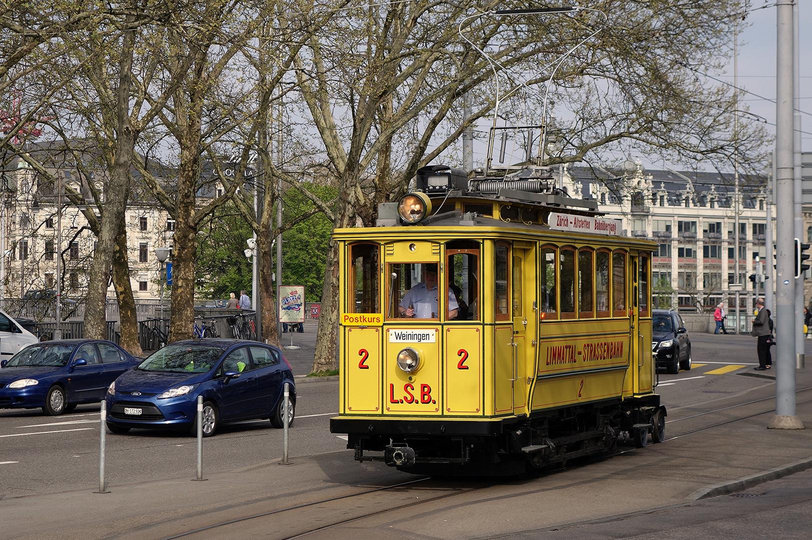 Tram Museum Zürich - LSB 2 mit Postrolli Z2 am Bellevue in Zürich