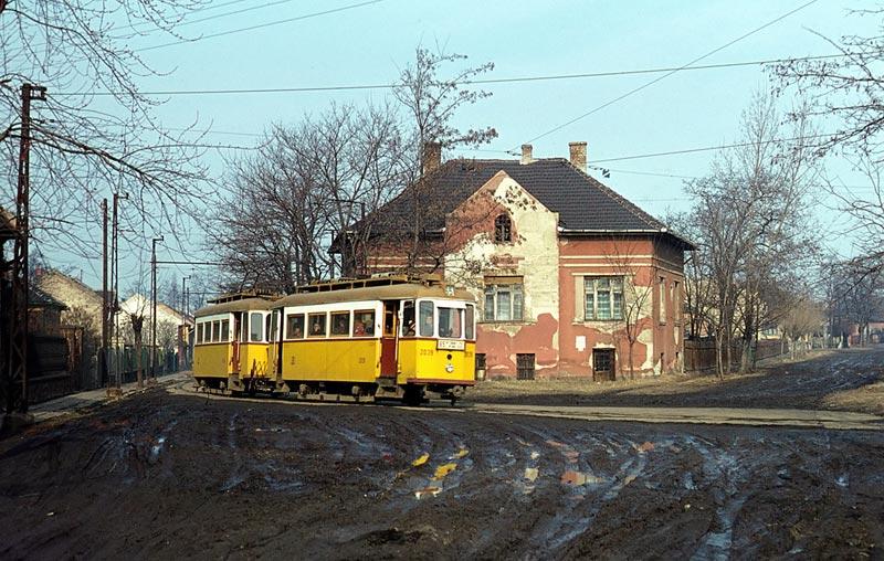 Tram; Schlamm