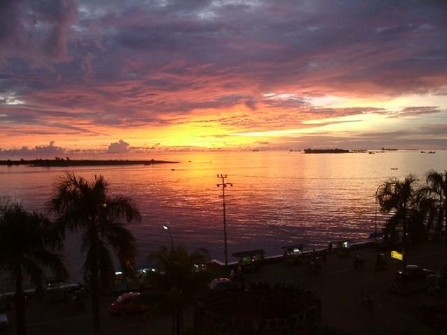 Tramonto a Makassar isola di Sulawesi (Celebes)(Indonesia)