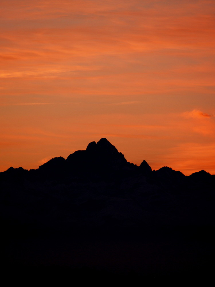 Tramonto dietro il massiccio del Monterosa