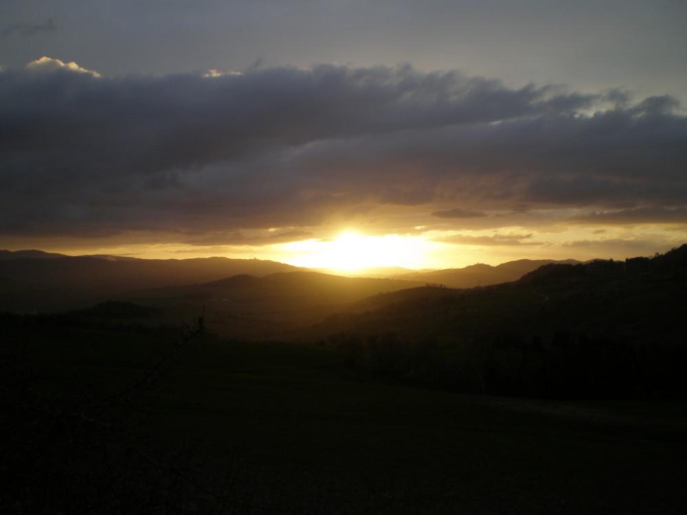 Tramonto fra le colline toscane..
