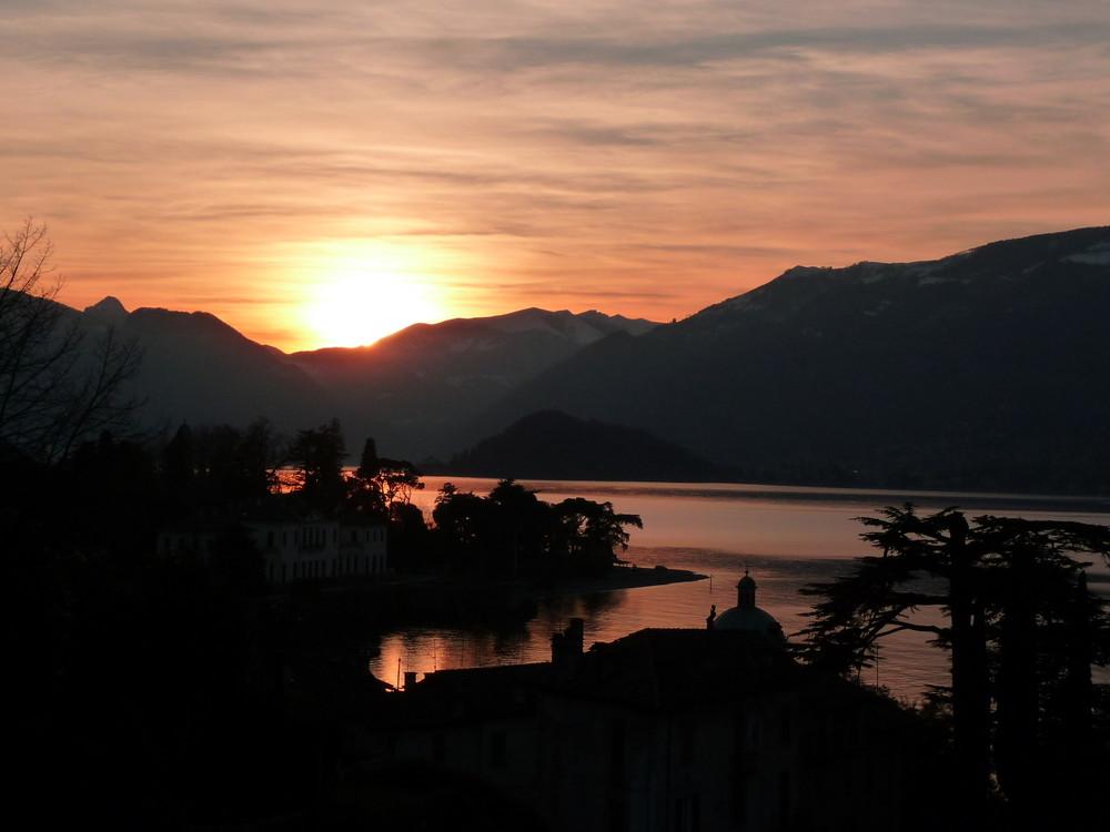 tramonto presso Bellagio