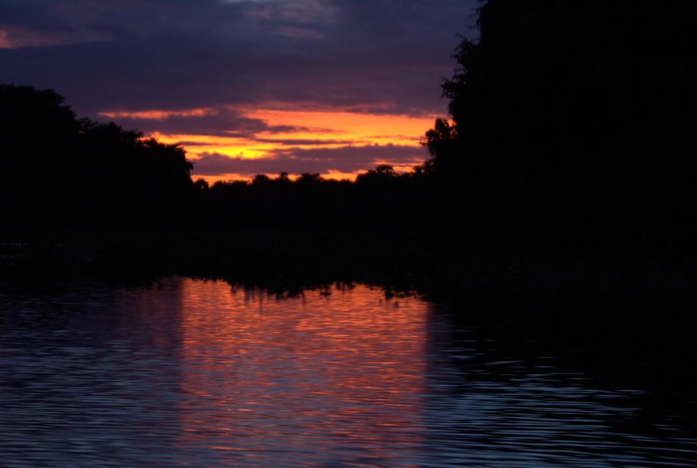 tramonto sul delta dell'orinoco
