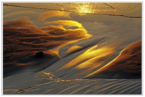 tramonto sulla sabbia ...