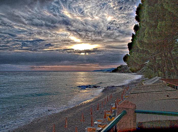 Tramonto sulla spiaggia di Palinuro