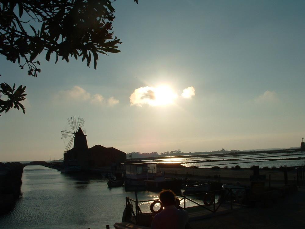 tramonto sulle saline di Mozia