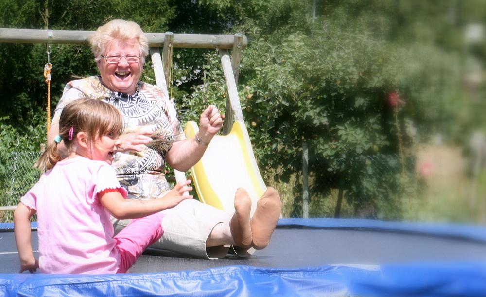 Trampolin, Spaß für alt und jung ....