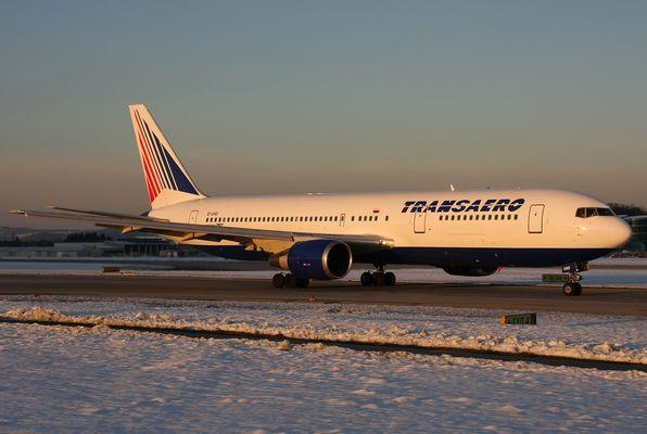 Transaero 767-300..