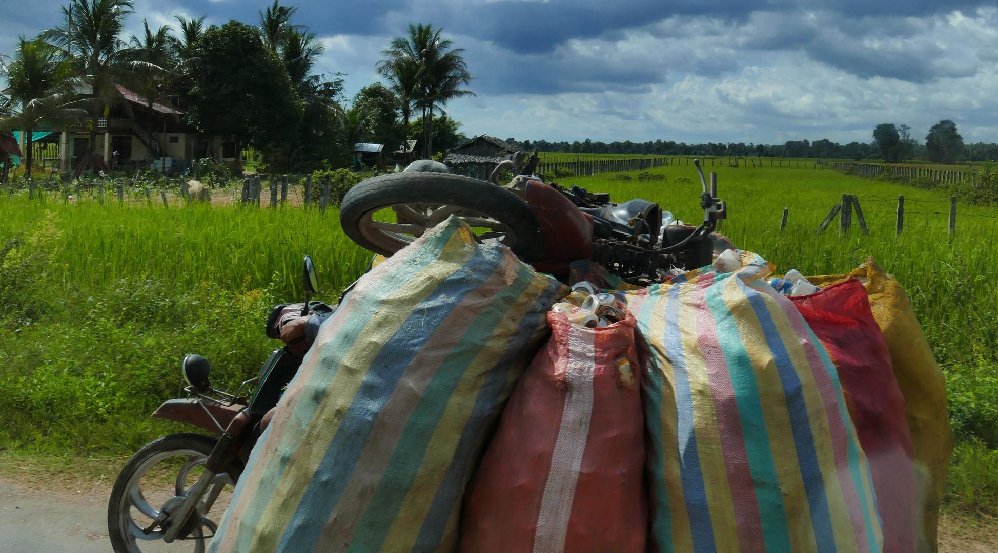 ...Transport in Kambodscha...